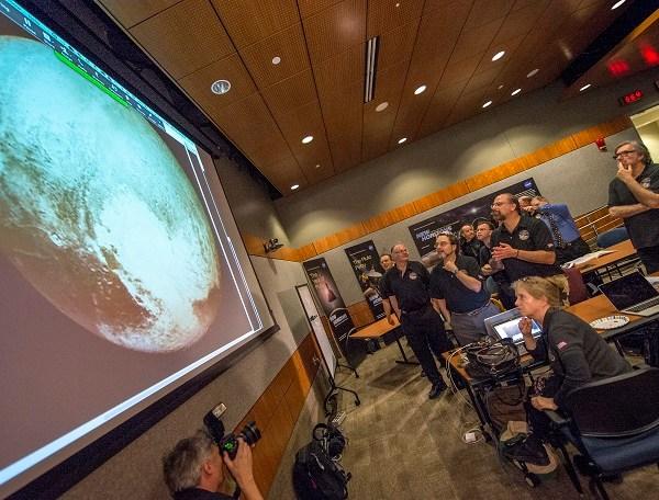 New Horizons Pluto Flyby_23145