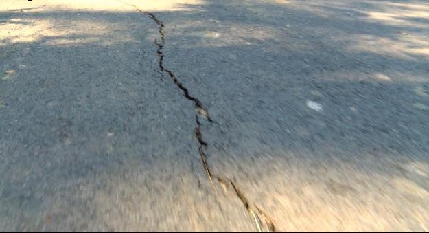 CRACKED ROADS_68416