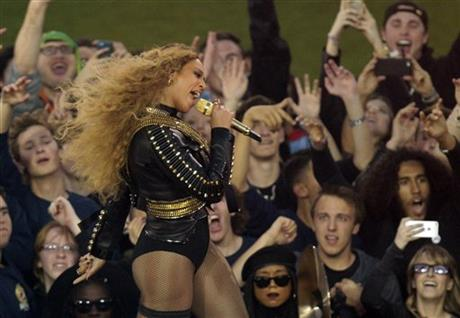 Beyonce Superbowl_113296