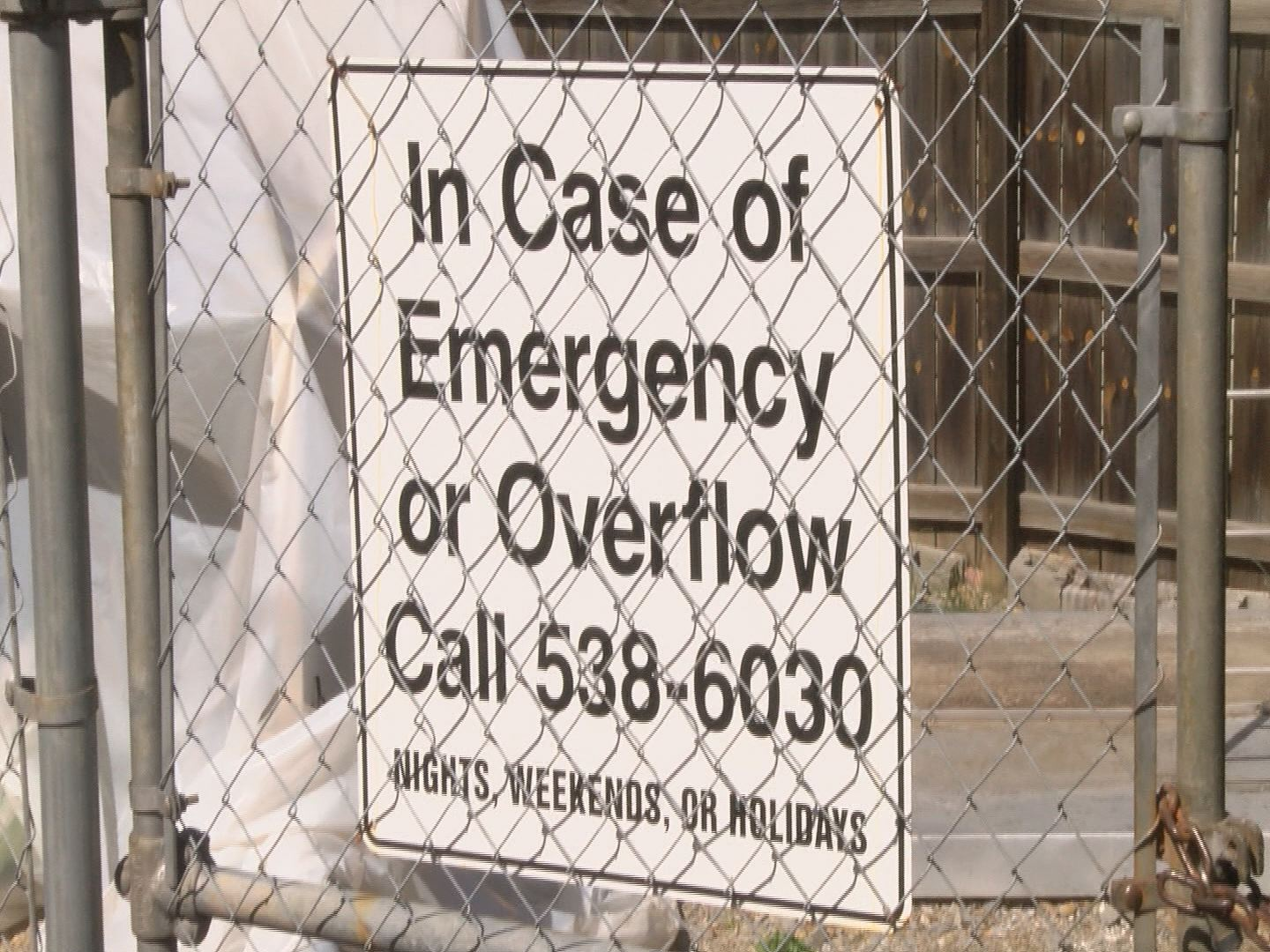 BLUFF CITY OVERFLOW SIGN_126377