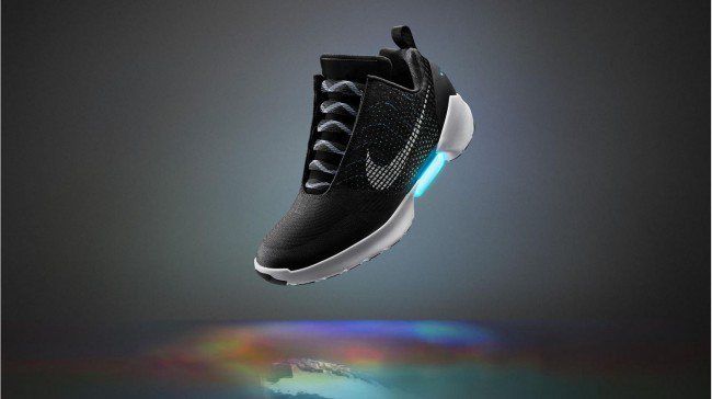 nike-self-lacing-shoe_126148