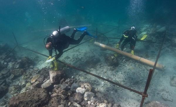 Mideast Emirates Oman Shipwreck_125156
