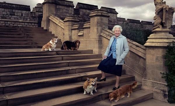 Britain Queen's 90th Birthday_142010