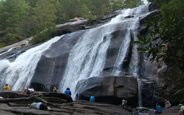 Photo of High Falls by Ccalvin via Wikipedia._163461