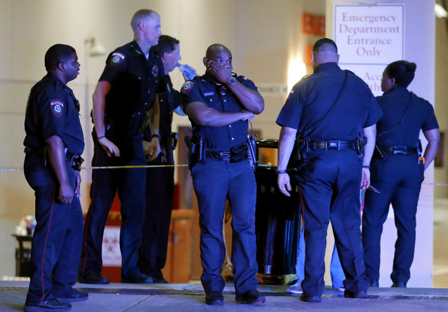 Five officers killed in Dallas_178844