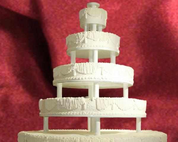 HEAVIEST WEDDING CAKE_193202