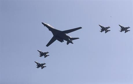 us-bombers-south-korea_209413