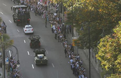 fidel-castro-procession_243360