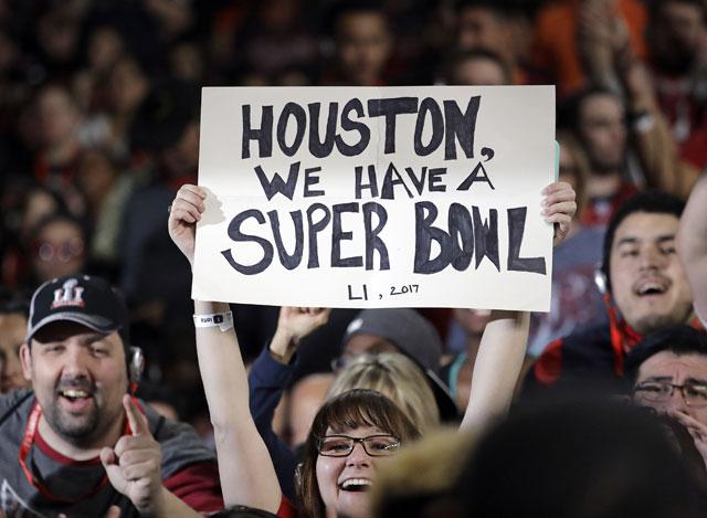 NFL Super Bowl 51 fans_268053