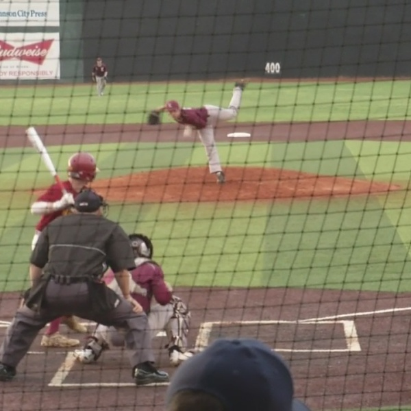 Toppers grab a share of the Big 7 lead with a win over Dobyns-Bennett