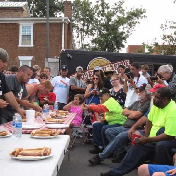 download (33) Hot dog eating contest Greeneville, TN_355611