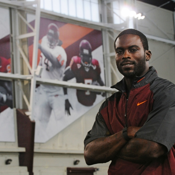 MikeVick-VT_366892