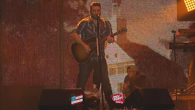 CHRIS YOUNG WKRN_393377