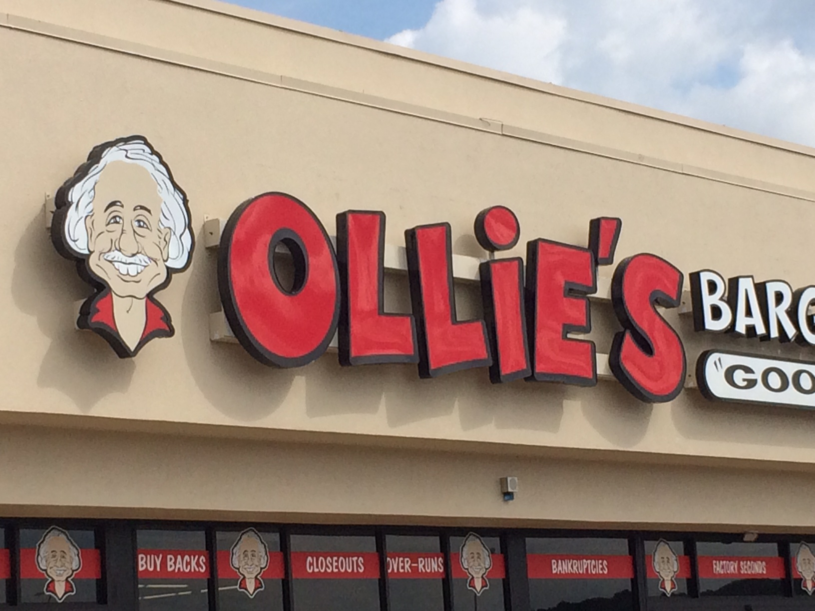 Remarkable New Ollies Bargain Outlet In Greeneville Results In Rush Of Dailytribune Chair Design For Home Dailytribuneorg