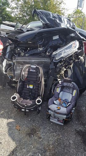 MOM'S VIRAL PHOTO OF CAR SEATS - CNN VIA WKRN_411089