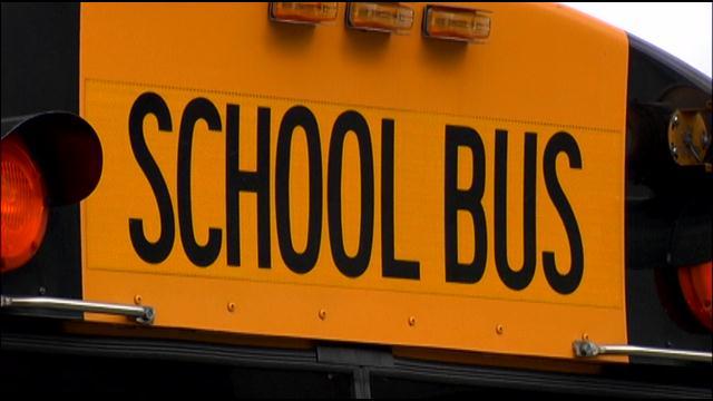 schoolbus1_230528