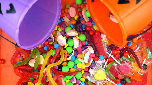 Halloween Trick Or Treat Candy Overhead Jack-o-lantern Buckets_420609
