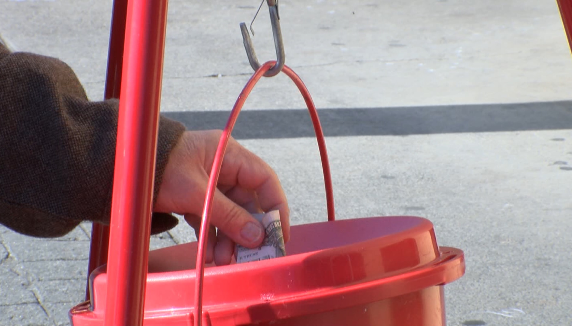 red kettle_444241