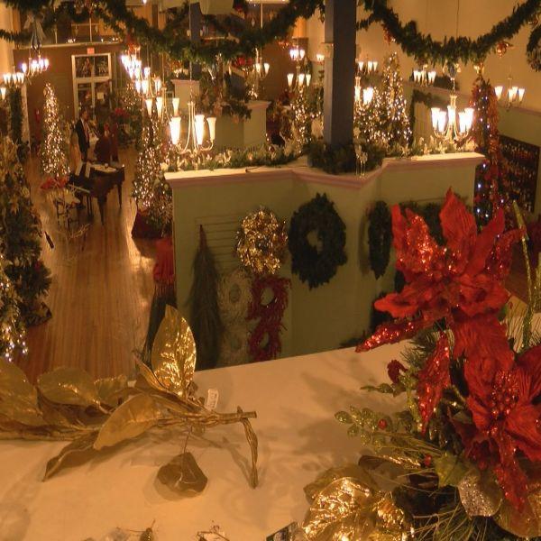 CHRISTMAS STORE_453821