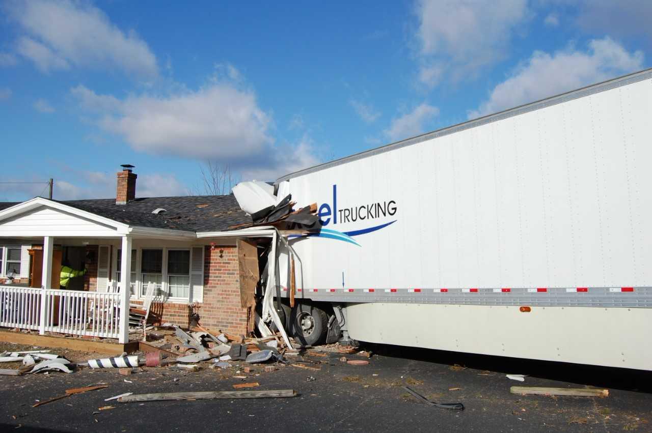 tractor trailer crash carroll county_461456