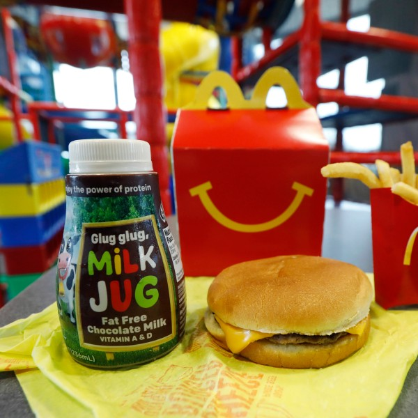 McDonalds_Happy_Meal_Changes_20252-159532.jpg38773883