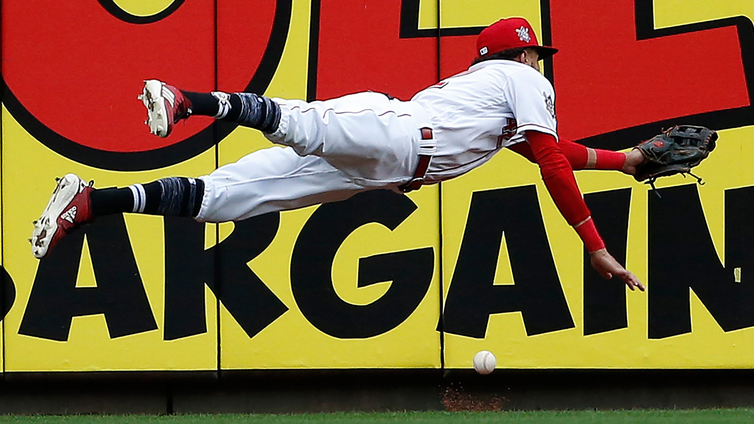 APTOPIX_Cardinals_Reds_Baseball_05498-159532.jpg09768399