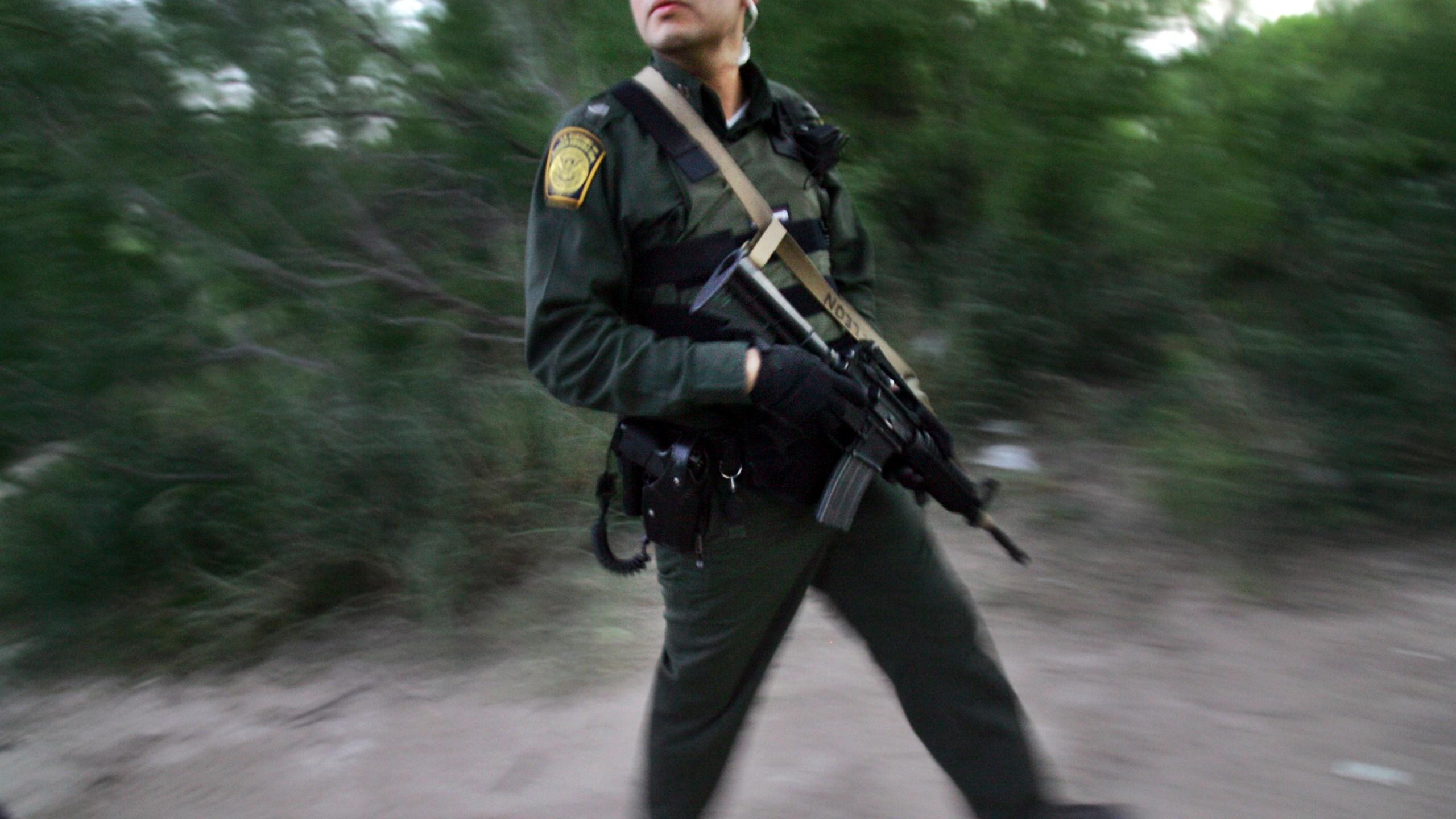AP_Explains-Border-Militarization_23331-159532.jpg25545535