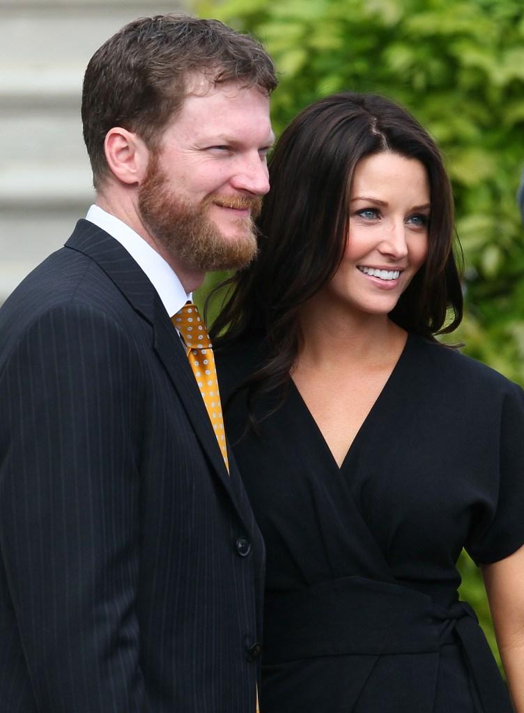 Dale Earnhardt Jr Wedding.Baby On Board Nascar S Earnhardt Jr Wife Have Baby Girl