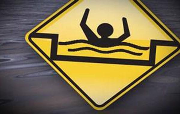 drowning_337699
