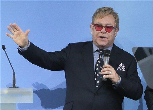 Elton John_122112