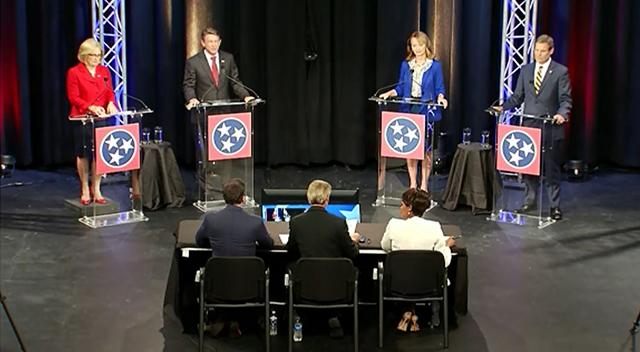debate wide2_1529563925295.jpg-873703986.jpg