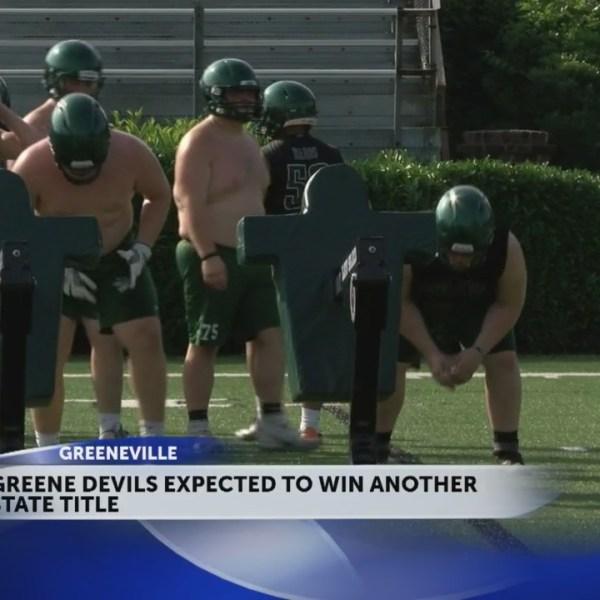 Greeneville_football_team_focused_on_rep_0_20180712014529