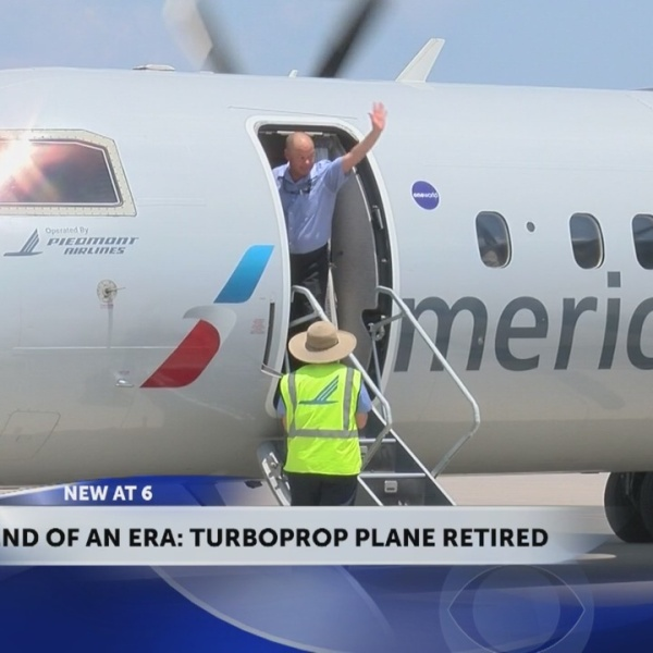 Last_turboprop_plane_departs_out_of_Tri__0_20180704221110