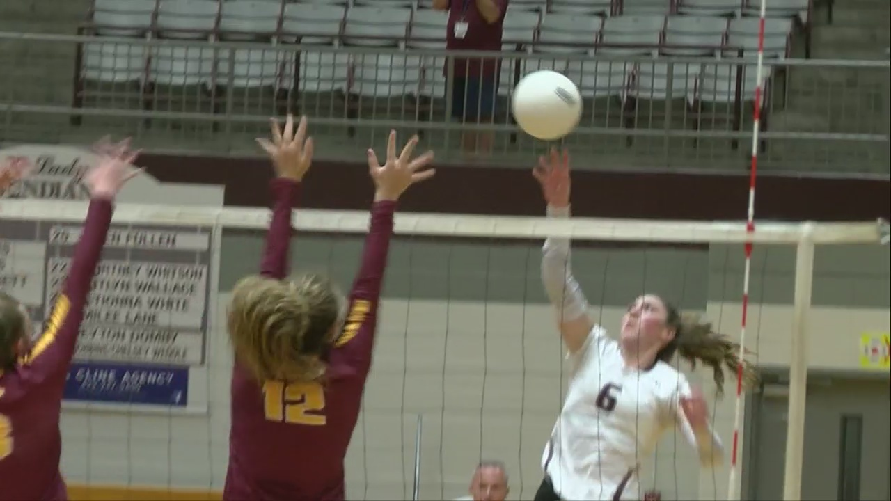 D_B_beats_Science_Hill_in_five_on_volley_0_20180919034202