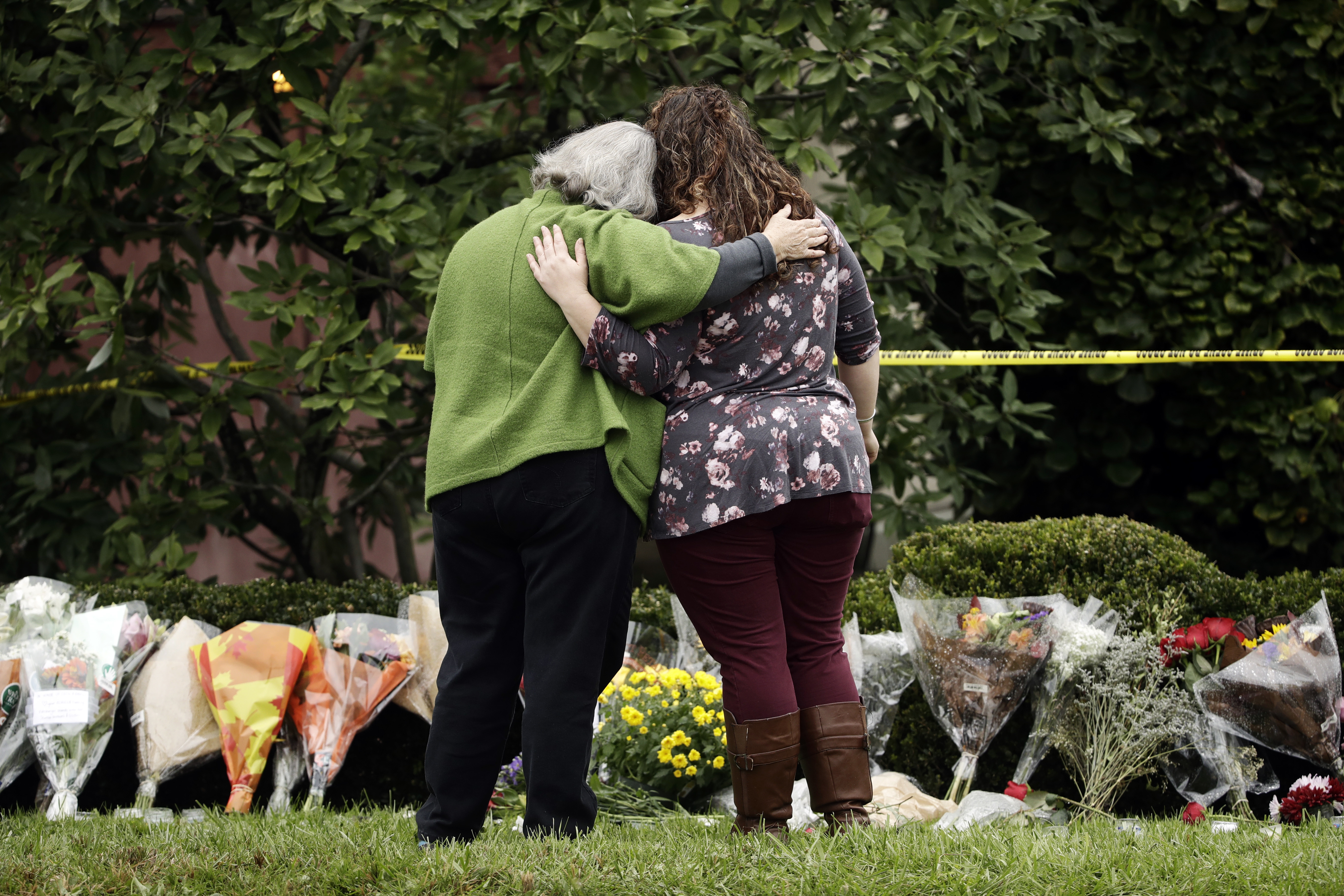Officials Identify 11 Victims In Deadly Pittsburgh Synagogue Shooting