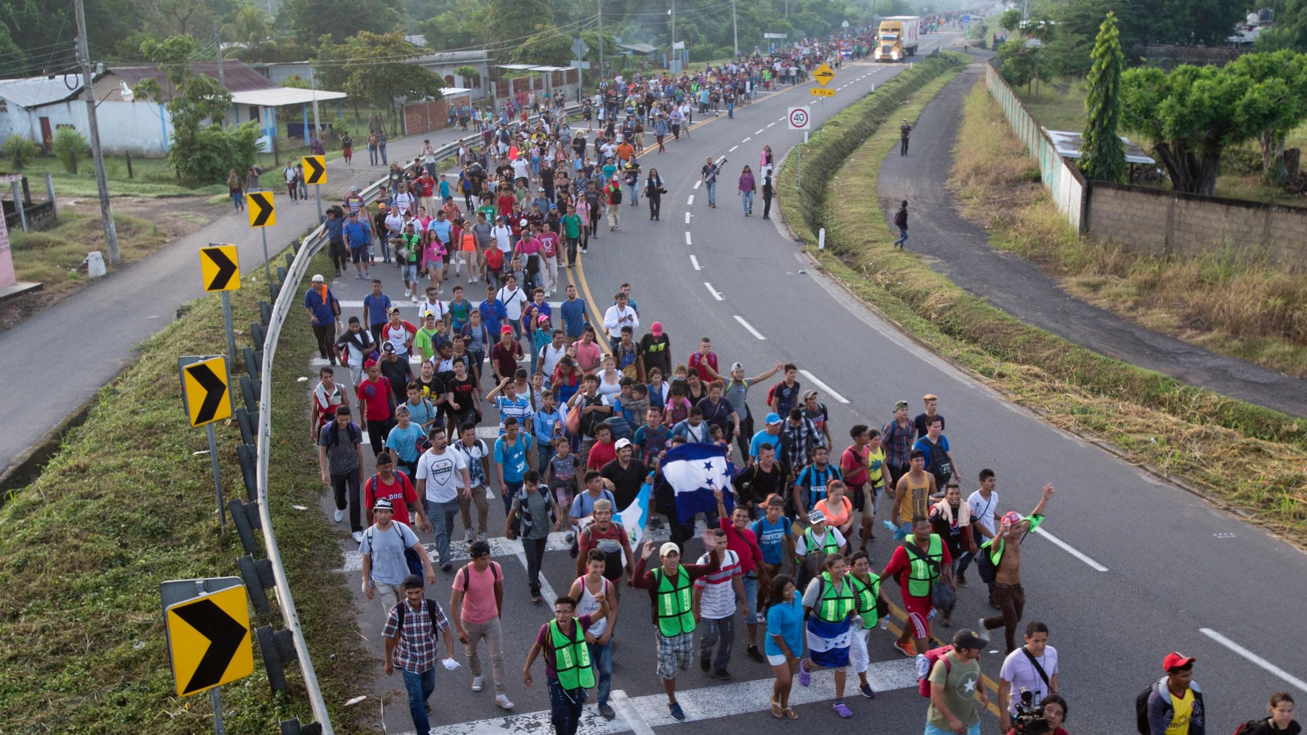 Central_America_Migrant_Caravan_72509-159532.jpg18993445