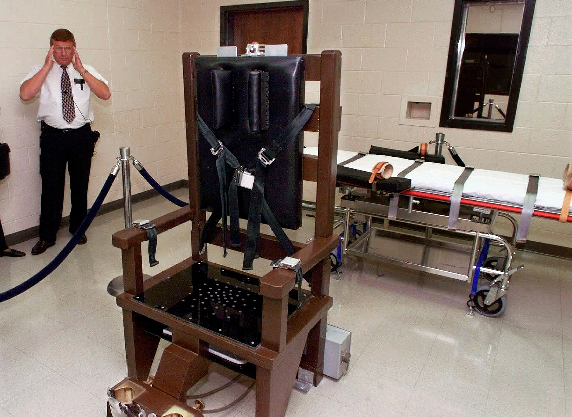 Electric_Chair_Tennessee_60603-159532.jpg51657999