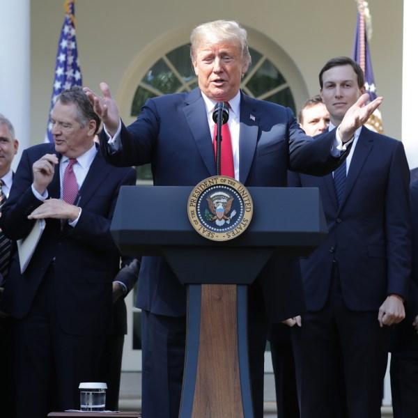 President Trump USMAC cs029074.jpg_1538414975066