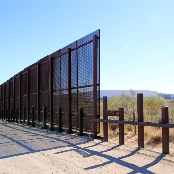 US_Border_Wall_98174-159532.jpg95846239