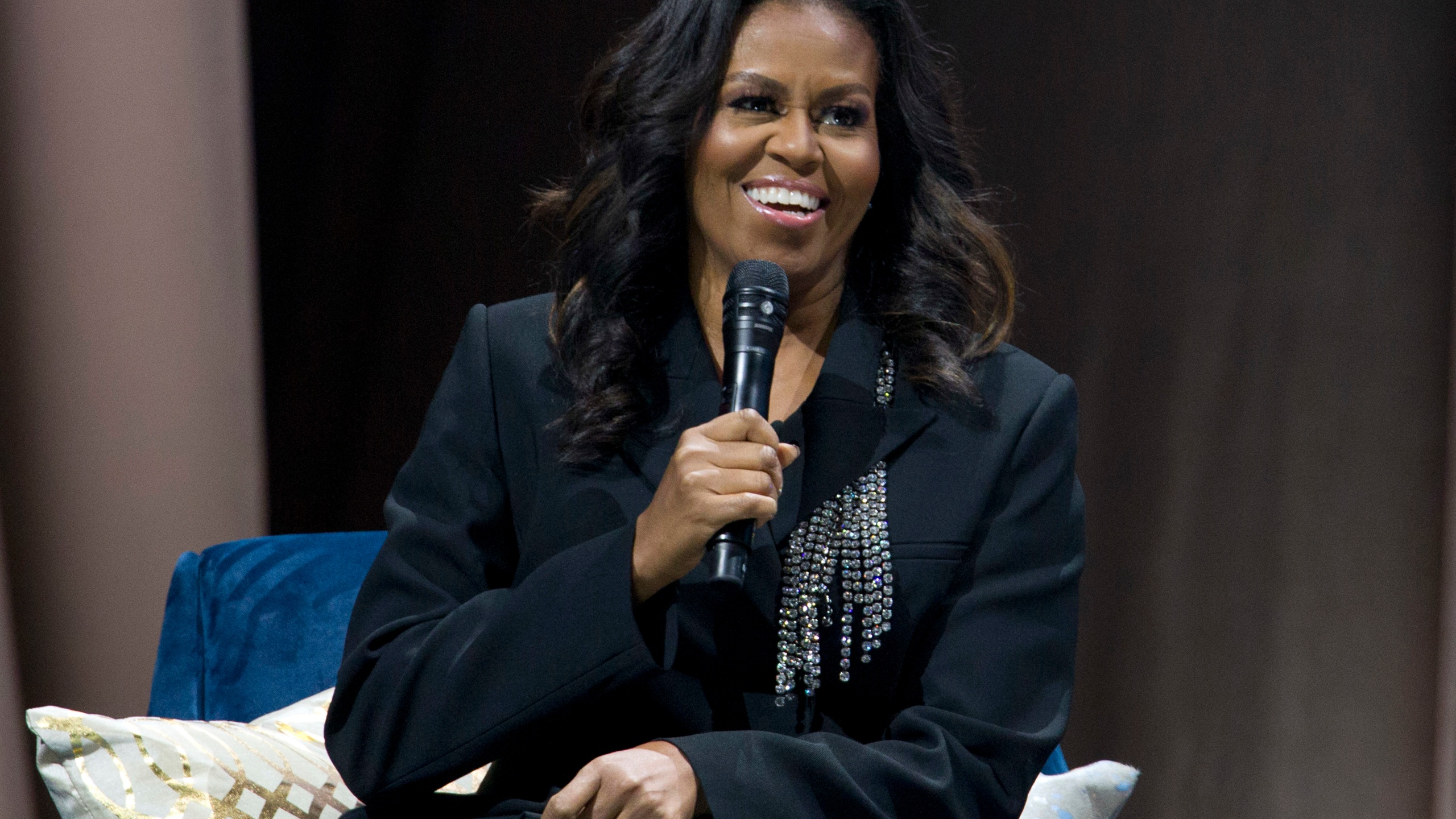 APTOPIX_Michelle_Obama_Book_Tour_55736-159532.jpg75829238