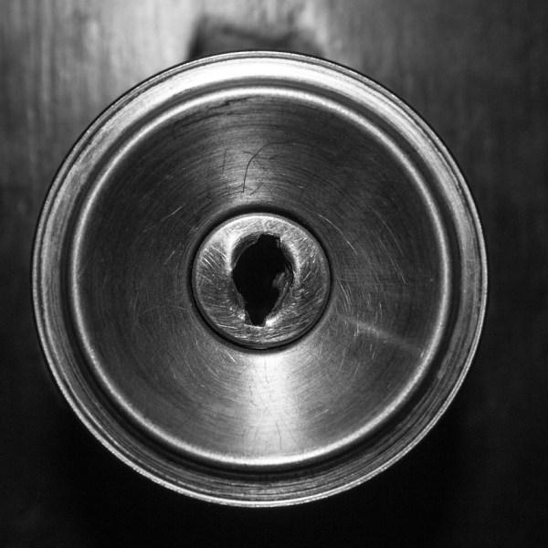 door knob closed door_1544463248915.jpg.jpg