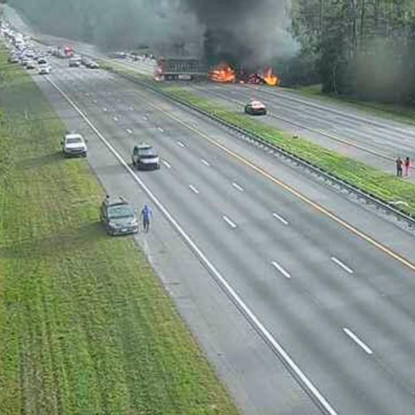 Fatal_Crash-Interstate_Fire-Florida_70010-159532.jpg13669652