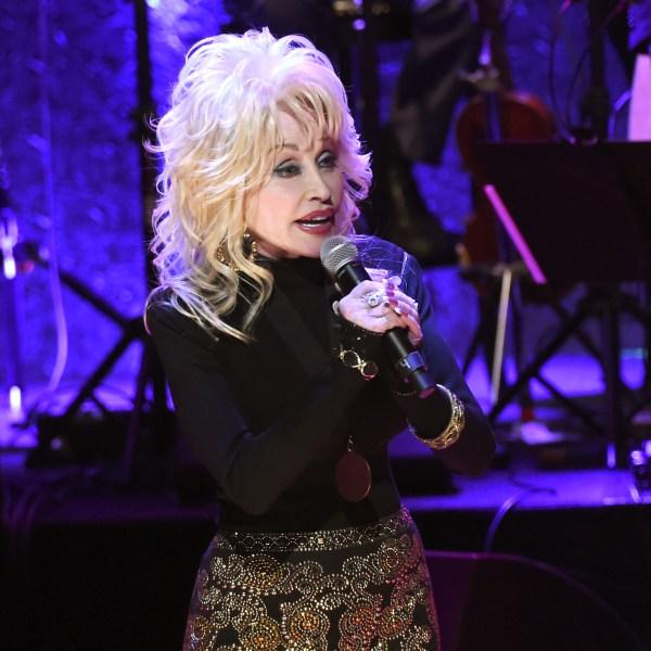 Dolly Parton 92971129_1544545665728