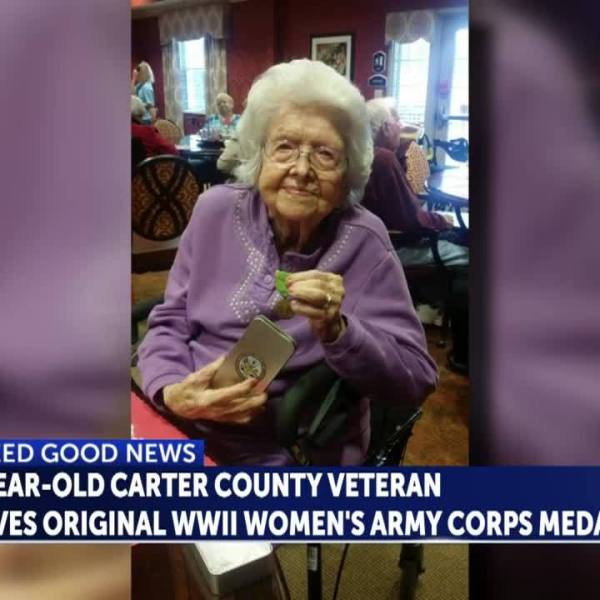 Carter_County_WWII_veteran_receives_orig_5_20190219183810