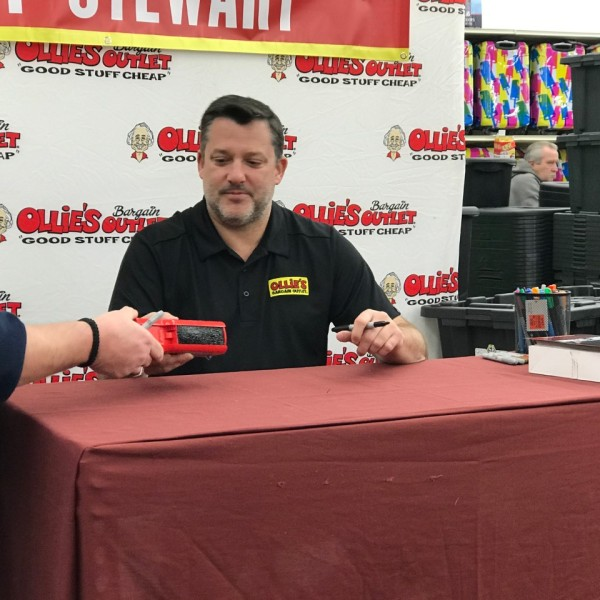 tony stewart at ollies 1_1550680581244.jpg.jpg