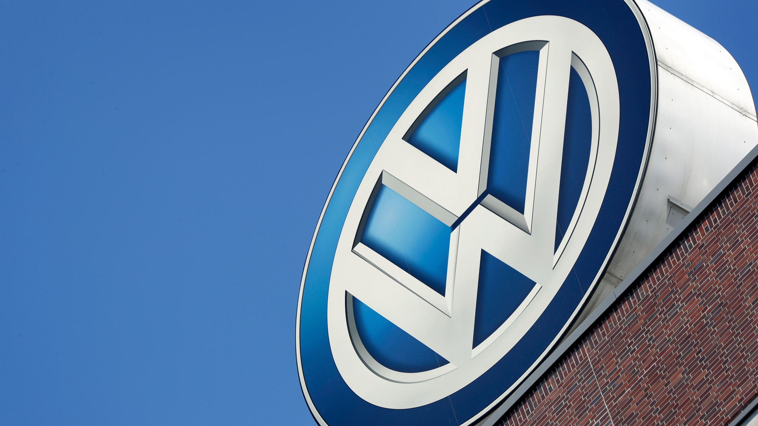 Germany_Earns_Volkswagen_75308-159532.jpg77371788