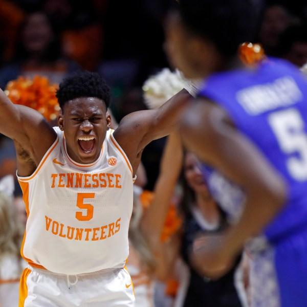 Kentucky_Tennessee_Basketball_50881-159532.jpg77438060