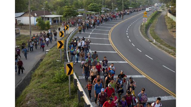 CORRECTION Mexico Migrant Caravan_1555164416366