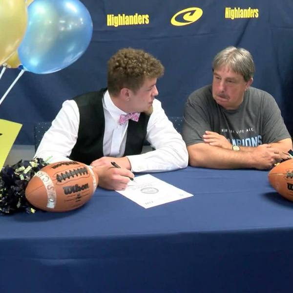 Cloudland's Jordan Coffey signs with Emory & Henry to play football