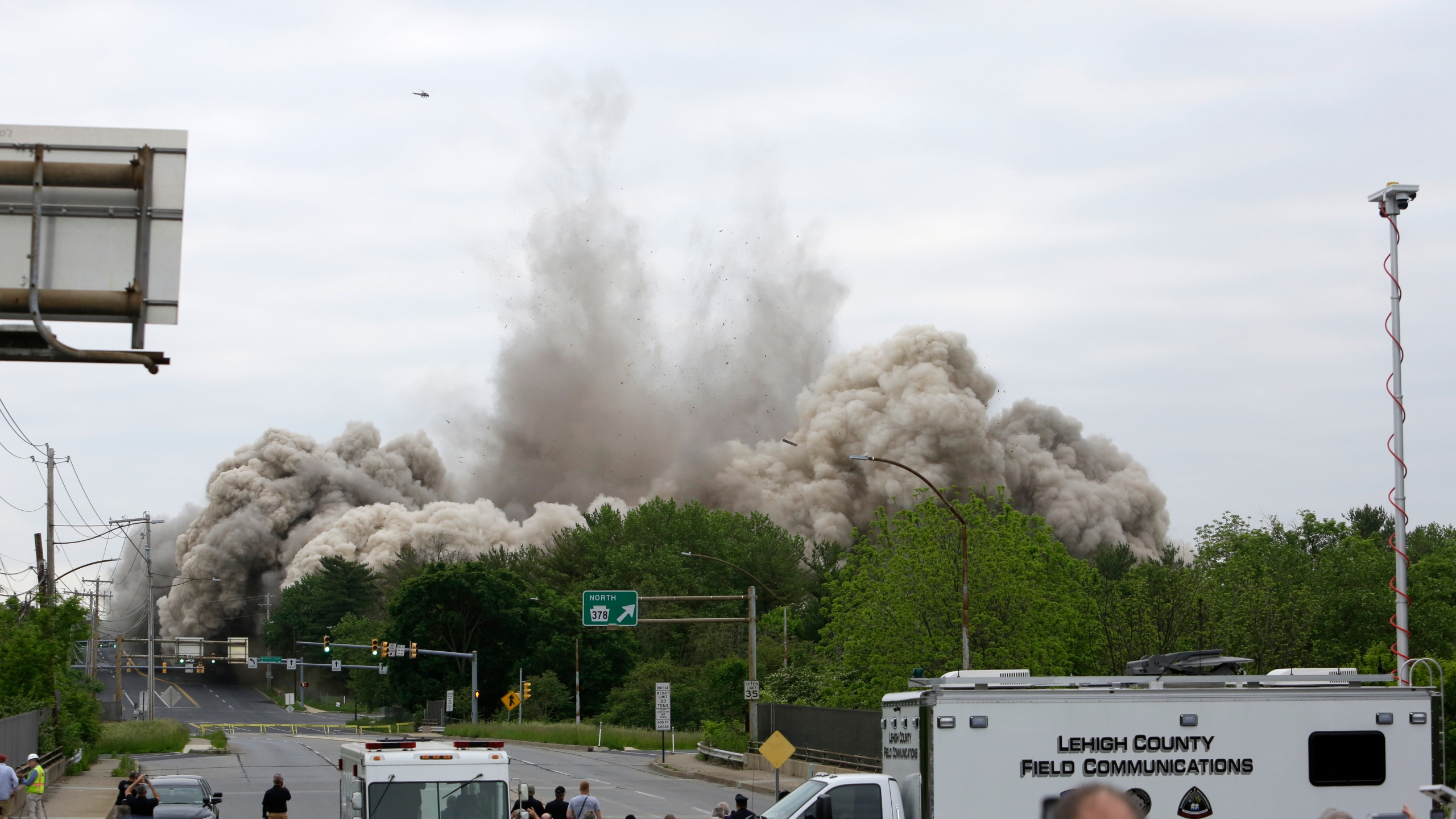 Steelmaker's Headquarters Implosion_1558281383593